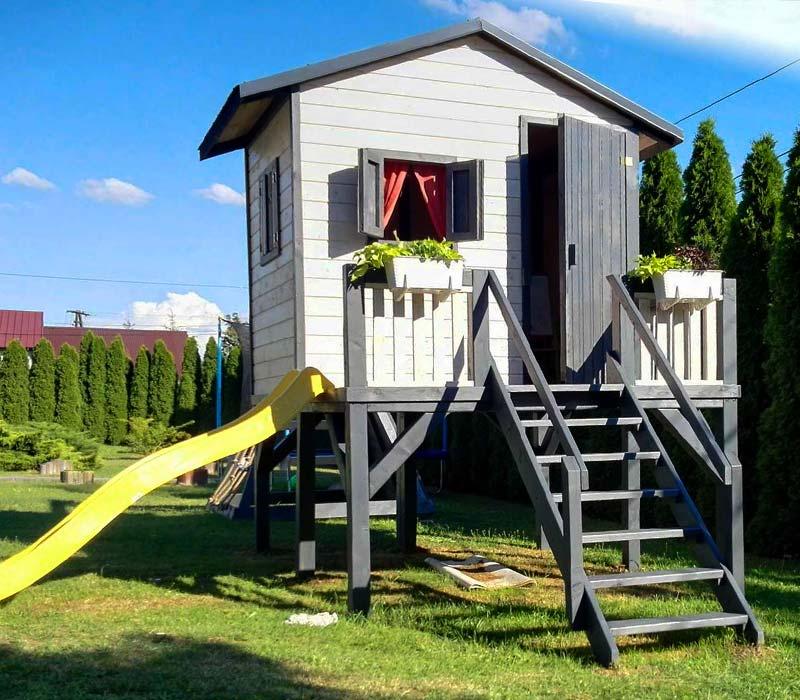 konstrukcja placu zabaw dla dzieci